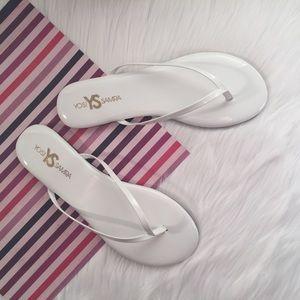Yosi Samra Shoes - (NEW) Yosi Samra Roee Patent Leather Flip-flops
