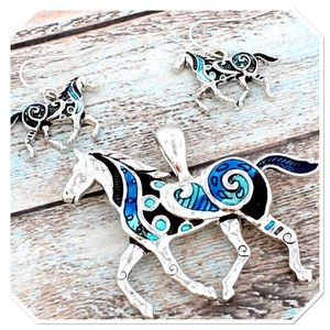 Boutique Jewelry - 🎉HP🎉 Turquoise Swirl Horse Pendant Set