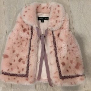 Isobella & Chloe Other - Isobella & Chloe faux fur vest. Sz 5.  Gorgeous!
