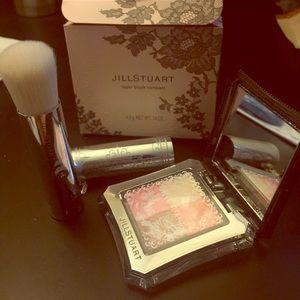 Jill Stuart Other - Jill Stuart Layer blush compact