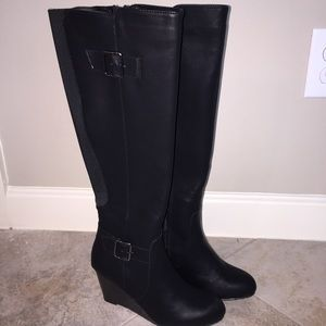 NWOT Kenneth Cole Tall Wedge Boots, Size 6 Medium