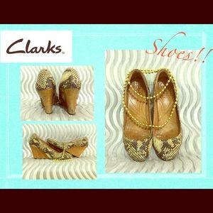 Clarks Pumps