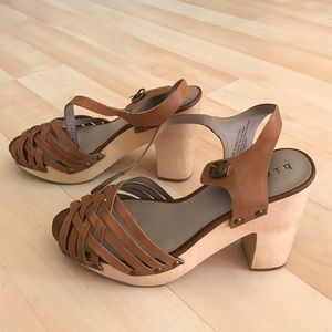 hinge Shoes - Brand new Hinge brown leather wooden platforms