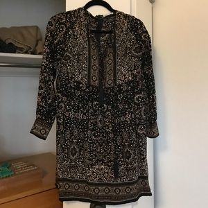Dresses & Skirts - Cute long sleeve dress size small from a boutique