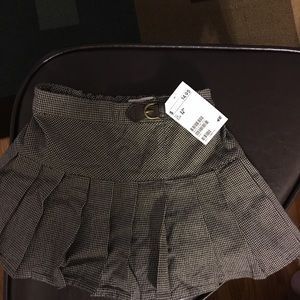 Brand new H&M skirt with tags.