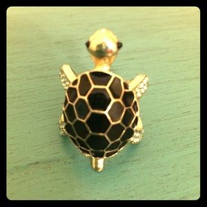 Forever 21 Jewelry - 3/$18!! Mr. Turtle black and gold ring