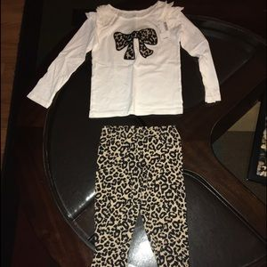 Brand new Children's Place outfit ! With tags
