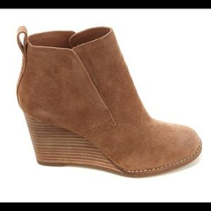 BRAND NEW: Lucky Brand Wedge Bootie size 8