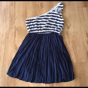 Blu Pepper Dresses & Skirts - Gorgeous Navy and White Striped One Shoulder Dress