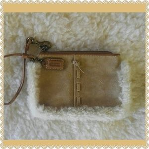 Coach Handbags - 👜🙎Cute COACH SUEDE Wristlet Wallet Purse