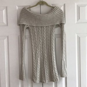 Ruehl No. 925 Sweaters - Ruehl No. 925 off the shoulder sweater