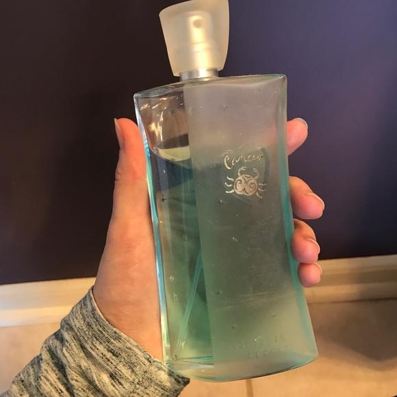 Victoria's Secret horoscope body spray, Cancer