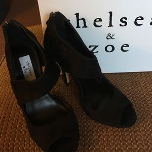 Brand new pumps by Chelsea & Zoe