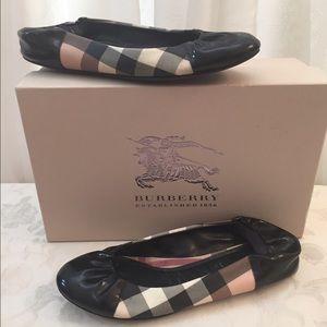 Burberry Nova Check Flats
