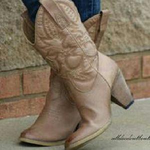 Volatile Shoes - Volatile
