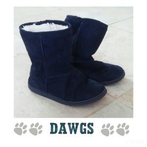 Dawgs Shoes - {DAWGS} Navy blue fur lined boots size 7/37