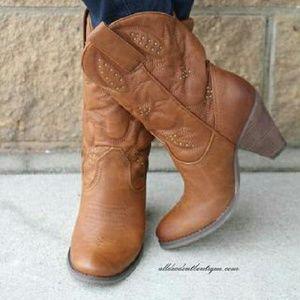 Volatile Shoes - Volatile Dallas Brown