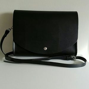 Cesca Handbags - Faux Leather Crossbody Bag