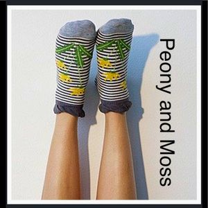 Peony and Moss Accessories - Peony & Moss Ankle Socks in Dandelions