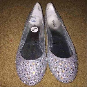 Shoes - SILVER RHINESTONE FLATS 8.5 WIDE