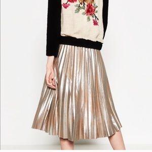 Zara Dresses & Skirts - 🆕Zara Pleated Gold midi skirt