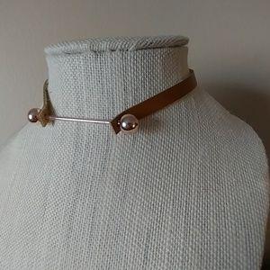Jewelry - Last Brown · Bar Choker
