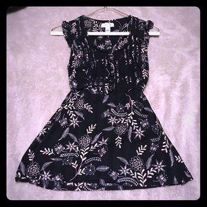 Ann Taylor black flower print sleeveless top