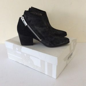 Sigerson Morrison SMFIFI Booties 9