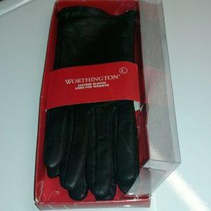 Worthington Accessories - ❤Worthington black leather gloves❤