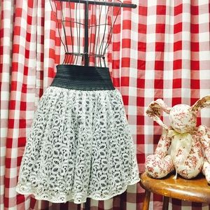  ANTHROPOLOGIE Skirt 