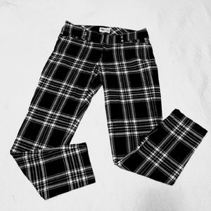 Old Navy Pants - Plaid Pixie Skinny Ankle Pants