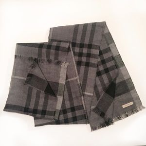 Burberry Accessories - Burberry Giant Check Scarf