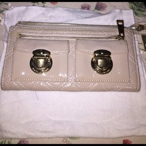 MARC JACOBS Patent Leather Quilt Beige Wallet