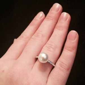 Boutique Jewelry - Pearl & Rhinestone Ring 6 7 8