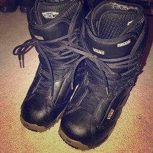 Vans Other - Men's Vans Black Snowboarding Boots