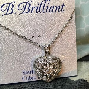 Jewelry - sterling Silver Heart Pendant Necklace NEVER WORN