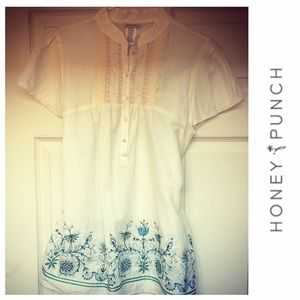 Honey Punch Tops - 💥SALE💥NWOT Honey Punch Embroidered Tunic 🛍