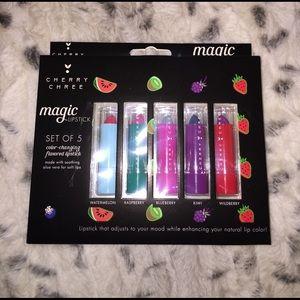 Other - set of 5 Magic lipsticks