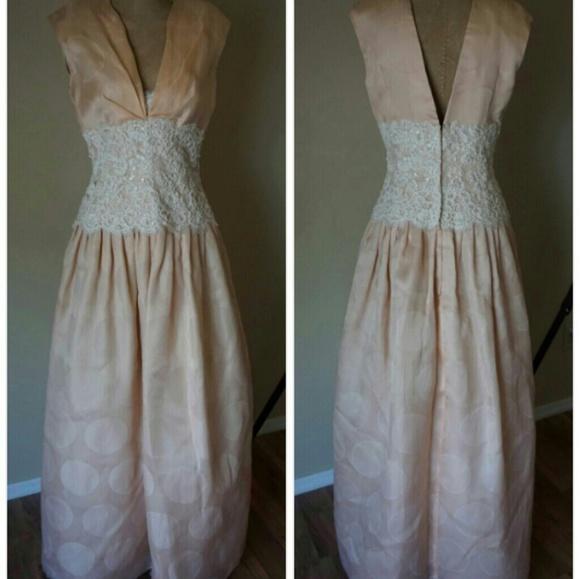 Saks Fifth Avenue Wedding Gowns: San Carlin Formal Wedding Gown