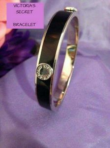💗💜Victoria's Secret Logo Bracelet Black  Gold