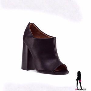 Qupid Shoes - Black Leather Peep Toe Shootie 6