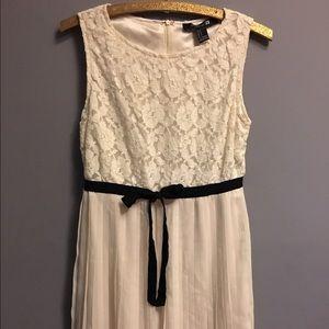 Dresses & Skirts - Cream Lace Dress Sz Small