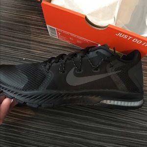 69 nike shoes nike s slip resistant work
