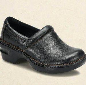 b.o.c. Shoes - B.O.C Peggy Clogs