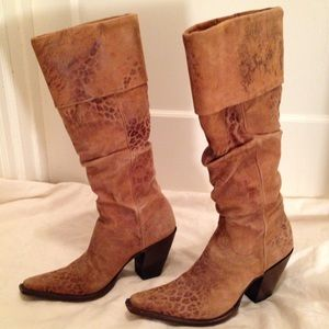"""Old Gringo Shoes - Old Gringo 17"""" Worn-Look Leopardito Boots"""