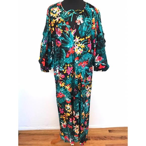 Vintage Dresses - Vintage 70's Floral House Dress