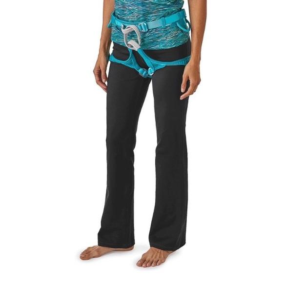 1e1dd9489c Patagonia Women's Serenity Active & Yoga Pants. M_589387684e95a3ca3500200e