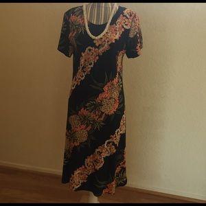 Black Print Hilo Hattie Hawaiian Dress