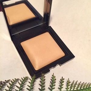 Laura Mercier Candleglow Powder 02