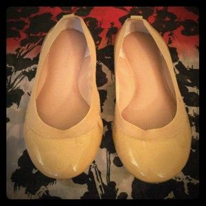 Banana Republic Nude Leather Flats Size 7